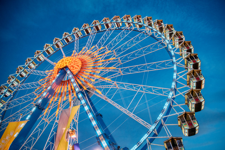 [A] What city features the world's tallest ferris wheel?